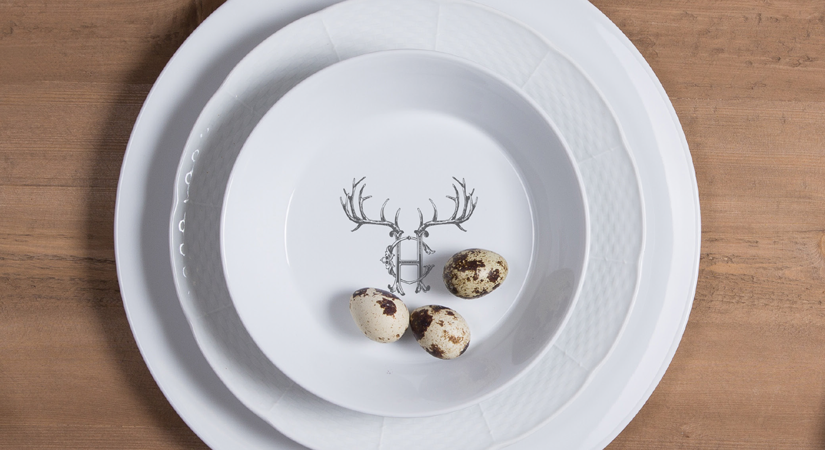 ... there are cake plates ch&agne buckets napkin rings platters and coasters for your own delightful enjoyment or as memorable gifts. & Custom Dinnerware \u2013 A Uniquely Yours Trend | SA Portfolio